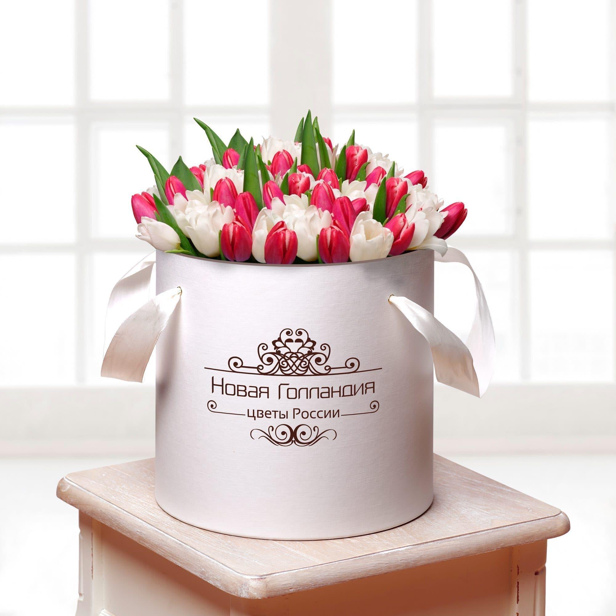 59 тюльпанов микс в белой шляпной коробке №420Тюльпаны<br><br>