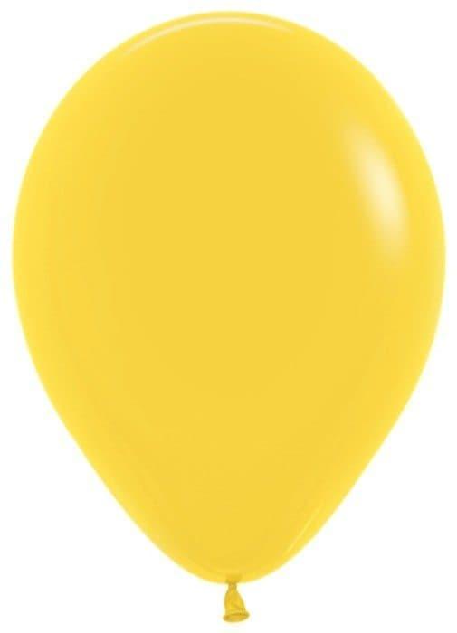 Воздушный шар желтыйВоздушные шарики<br>Воздушный шар из латекса яркого цвета на выбор. Примерный диаметр 28 см. Летающий шарик с гелием обрадует как юного, так и взрослого именинника. Закажите шарики в подарок к букету или мягкой игрушке - подарите близким радость.<br>