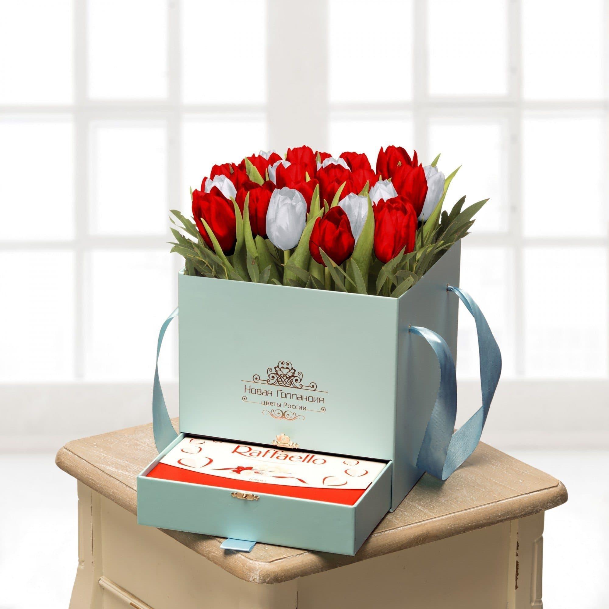 25 тюльпанов микс в коробке шкатулке Тиффани с рафаэлло №485Тюльпаны<br><br>